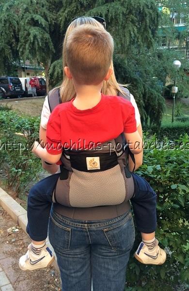 Ergobaby Ventus con niño de 4 años