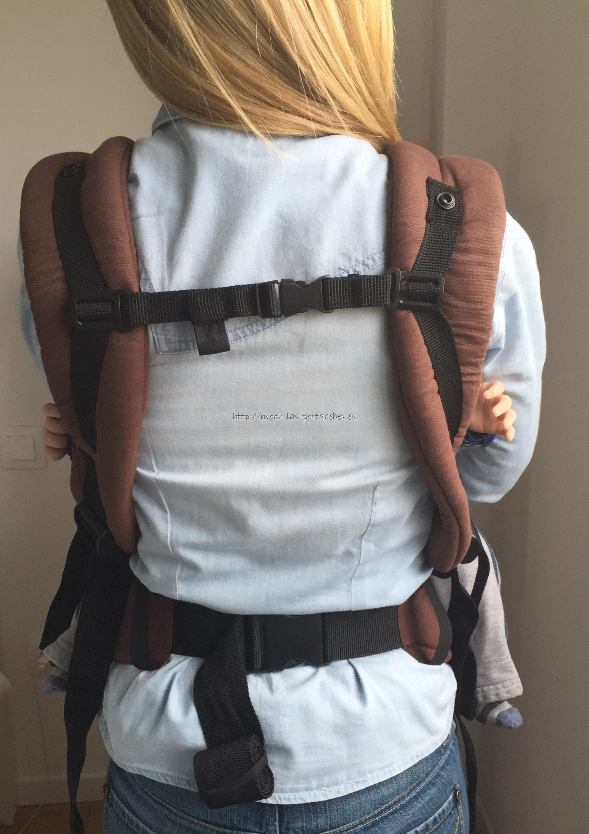 Molto Ergonomic Comfort Carrier detalle de la espalda
