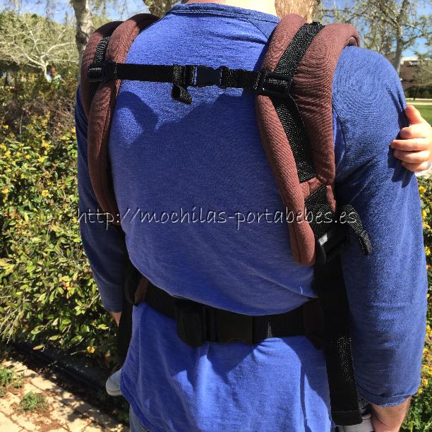 Molto Ergonomic Comfort Carrier niño espalda
