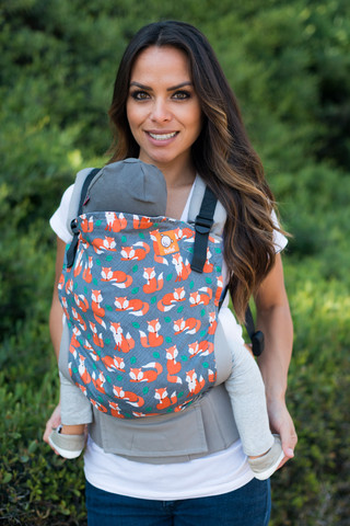 Tula Baby Carrier modelo Sly