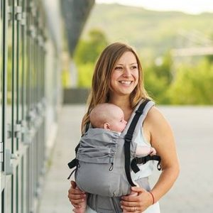 Isara Baby Carrier modelo Manhattan
