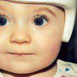 La plagiocefalia se previene porteando