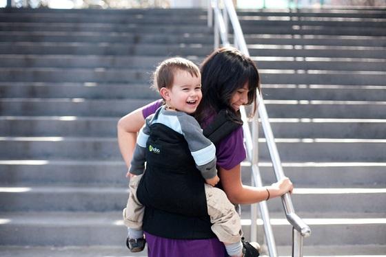 Boba Carrier 3G subiendo escaleras