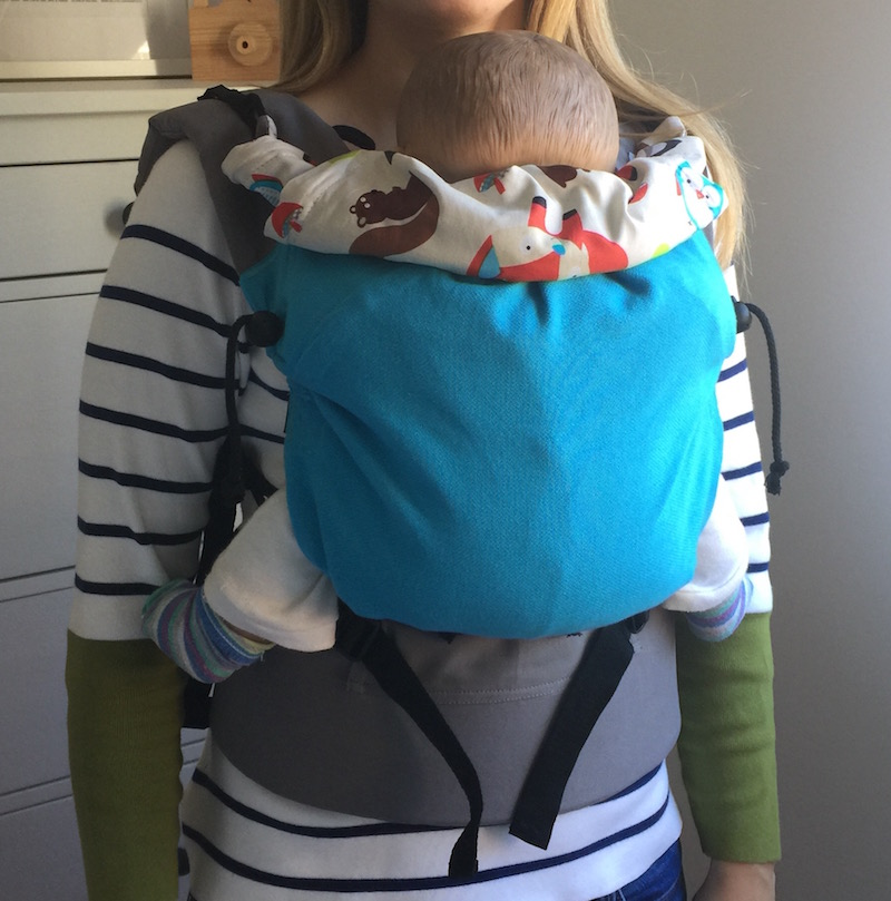 Mochila Buzzidil talla estandar con bebé pequeño